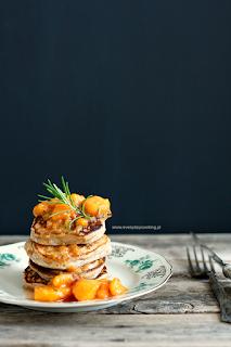 http://www.everydaycooking.pl/2014/08/gryczane-pancakes-z-brzoskwiniami-z.html