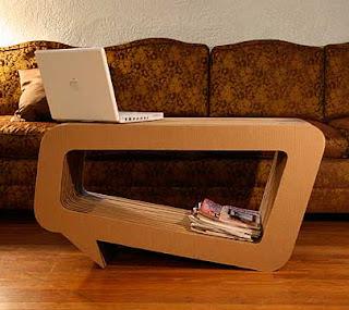 Mueble con cartón reciclado.