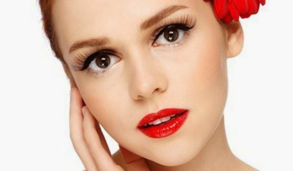 Kırmızı Ruj ve Uyumlu Göz Makyajı Önerileri