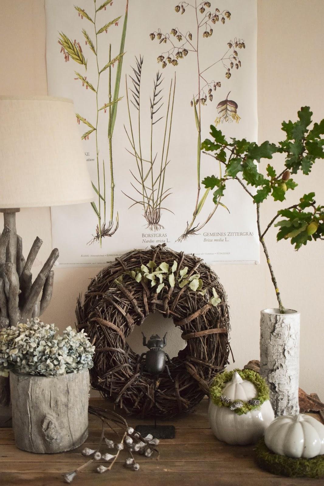 Deko Herbst für Konsole und Sideboard mit Eicheln. Herbstdeko Dekoidee Wohnzimmer Dekoration eiche eicheln botanisch natuerlich dekorieren 9