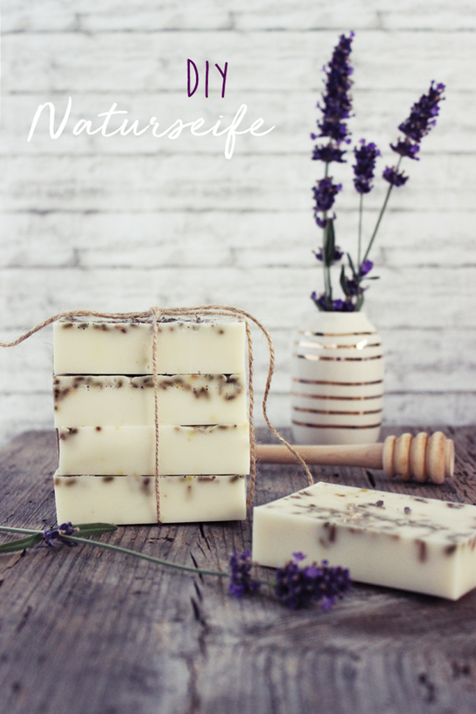 s\'Bastelkistle: {DIY} Naturseife mit Lavendel und Honig