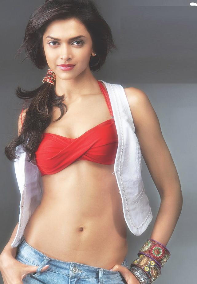 Sexy bollywood actress in bra