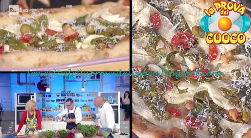 Pizza con peperoncini verdi pancetta fiordilatte e caciottina ricetta Sorbillo da Prova del Cuoco