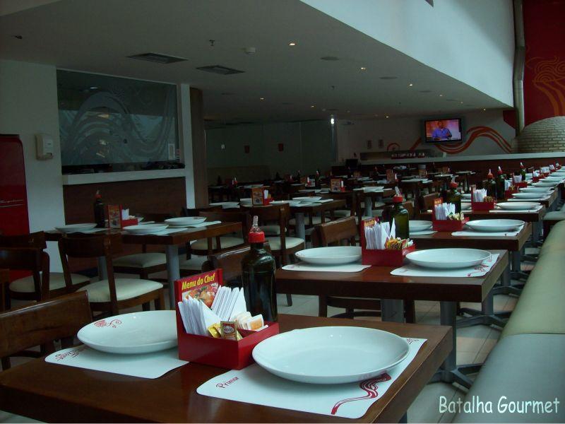 Gostosa no restaurante - 5 7