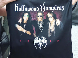 Hollywood Vampires meet & greet goodie bag