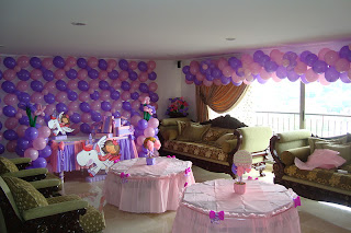 decoracion con globos princesa roda y purpura