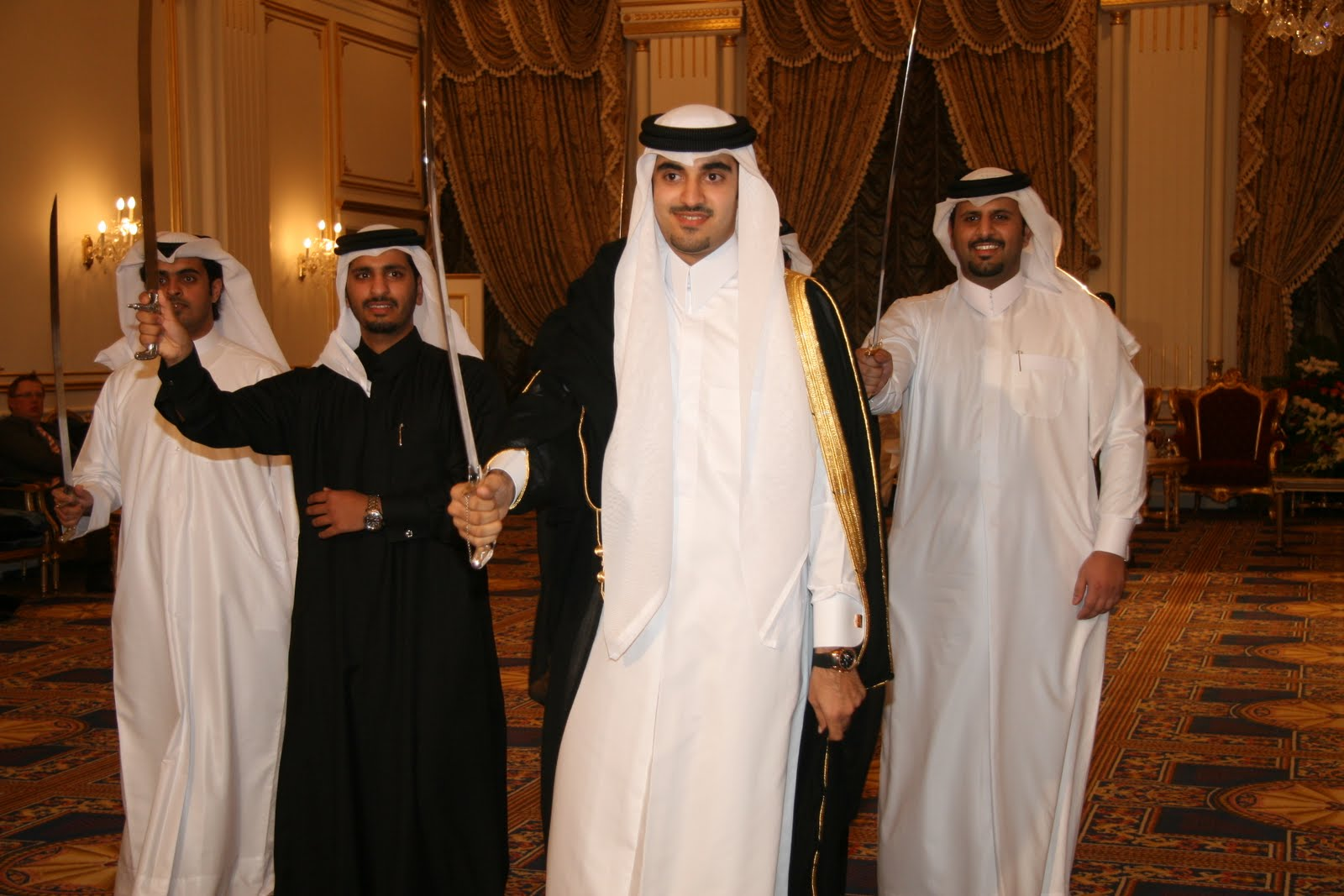 What To Wear In Qatar Women