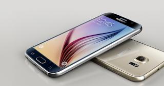 Spesifikasi Samsung Galaxy Alpha SM-G850-32gb   Samsung Galaxy Alpha SM-G850-32gb merupakan Hp mewah keluaran samsung yang di sasarkan pada konsumen menengah keatas Karena di bandrol cukuo mahal.Akan tetapi walaupun di bandrol dengan harga yang cukup mahal menjadikan smartphone ini dibekali kualitas yang sudah cukup baik.Diantaranya smartphone ini sudah di bekali Android OS, v4.4.4 (KitKat), planned upgrade to v5.0 (Lollipop)dan untuk penyimpanan sudah di bekali penyimpanan internal sebesar 32 gb tentu sangat nyaman bukan.Apalagi di dukung dengan Ram yang cukup besar yaitu 2GB RAM.tentu akan menjadikan kinerja hp ini optimal.                                          Salah satu hal yang mencolok dari keunggulan smartphone ini adalah dari segi fotografi yang di bekali  Kamera depan sebesar 12 MP dengan resolusi sebesar 4608 x 2592 pixelsautofocus, LED flash, Dual camera,  geo-tagging, touch focus, face/smile detection, panorama, HDR.Sayang kamera depannya hanya sebesar  2.1MP.