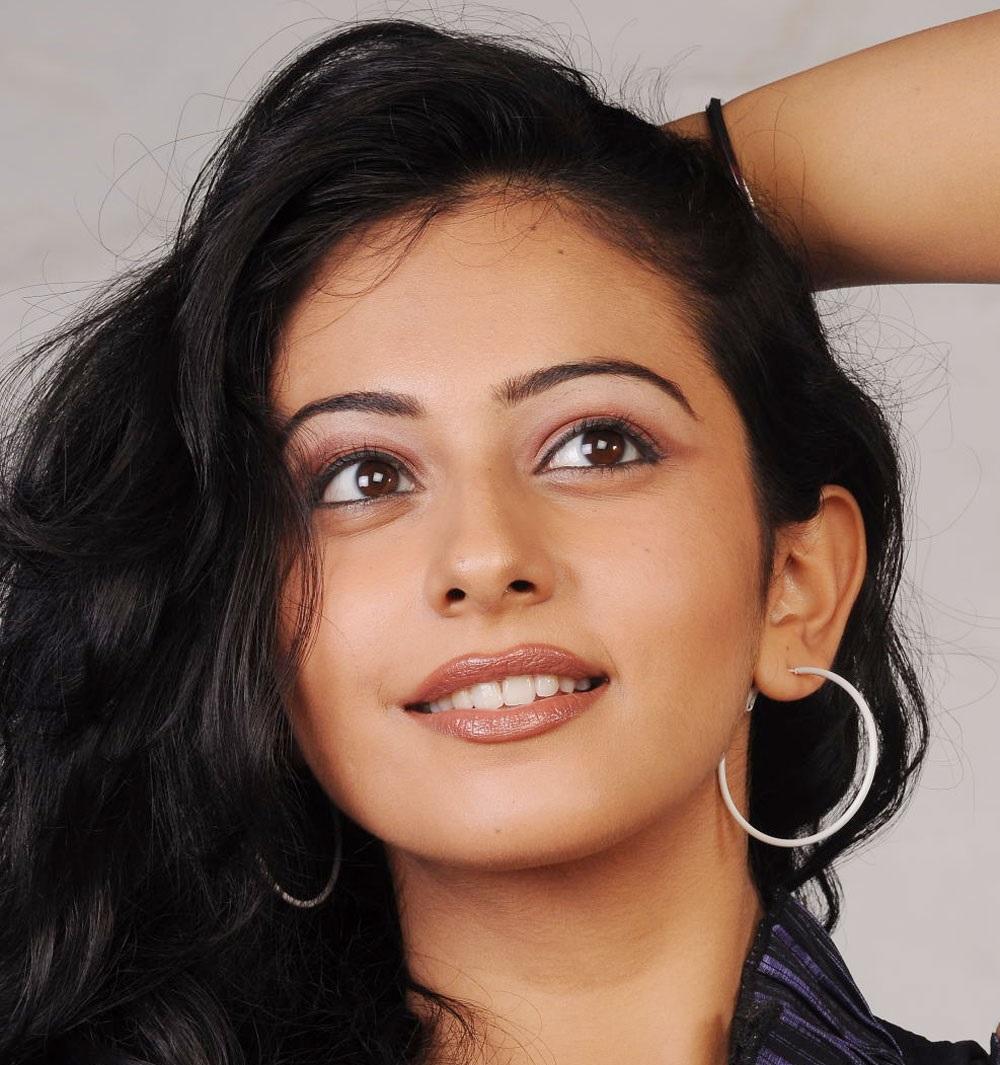 Tollywood Actress Rakul Preet Singh Hot Face Close Up Photo Shoot Stills