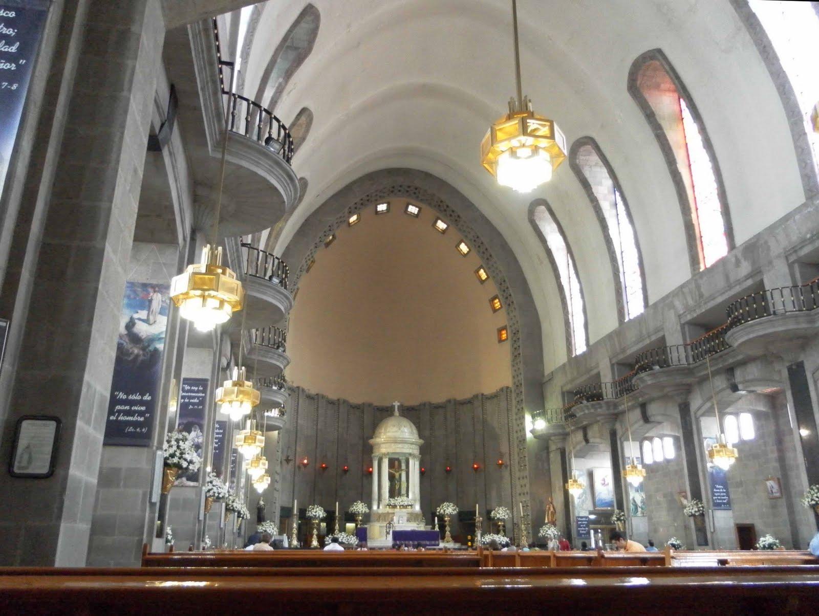 interior de la parroquia de san agustin