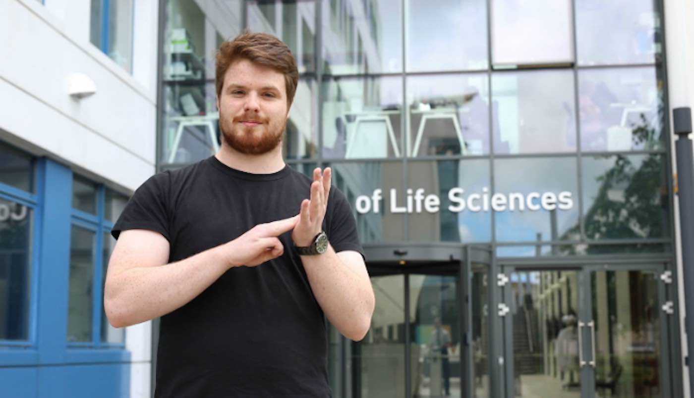 Deaf Student Developed 100 New Sign Language Terms For Scientific Words