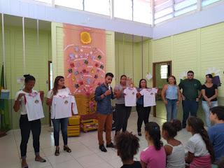 Prefeitura de Miracatu entrega kits escolares e uniformes para os alunos da rede municipal de ensino
