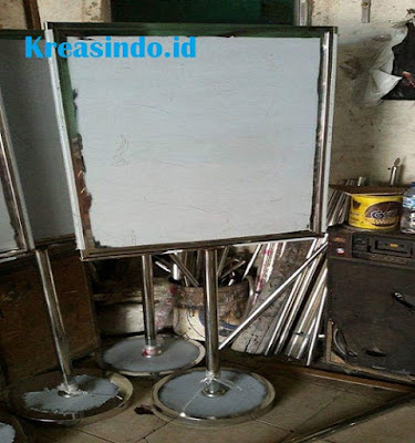 Tiang Standing Banner Stainless atau Tiang Display Stainless