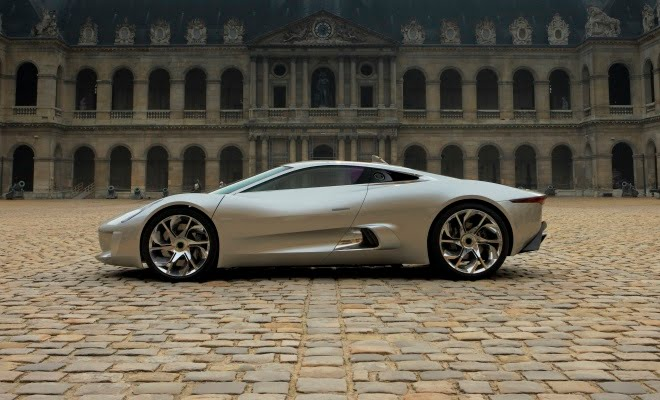 Jaguar C-X75 concept in Paris