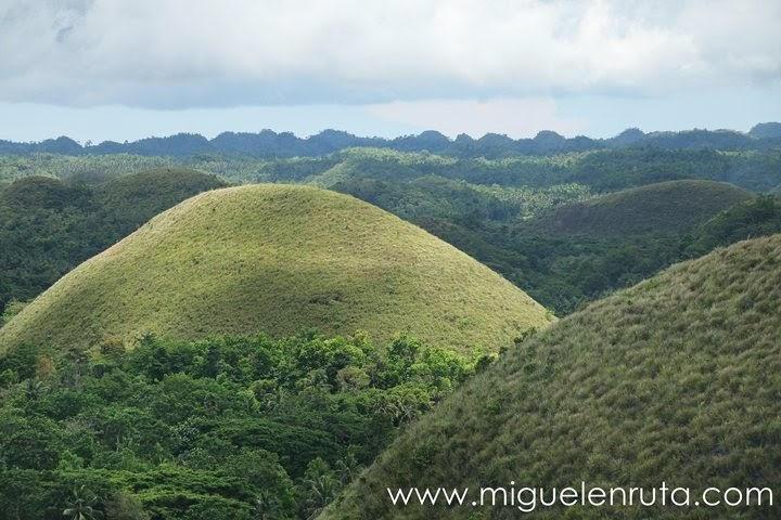 Conos-Chocolate-Hills-Bohol