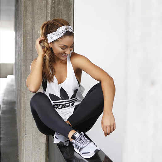 Black and White Gear Inspired by Aussie Trainers @basebodybabes