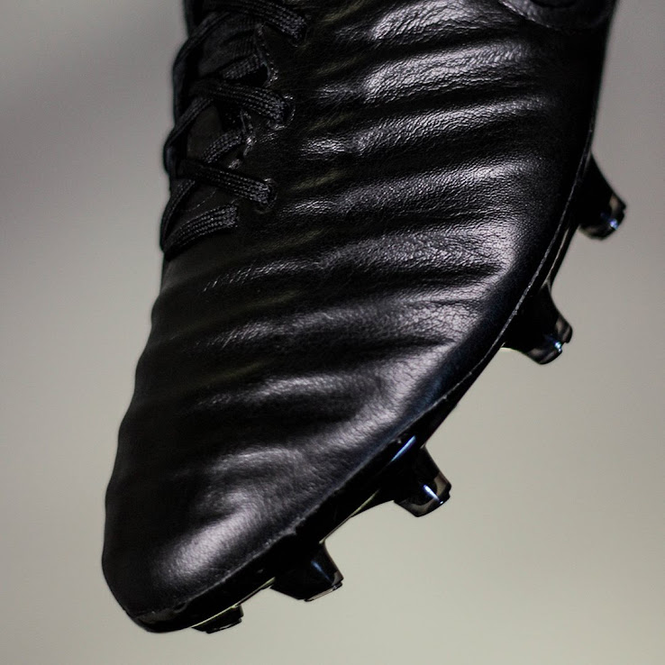 watch 66f95 c925e Only 100 Pairs: Super-Limited Nike Tiempo Legend VII Black ...