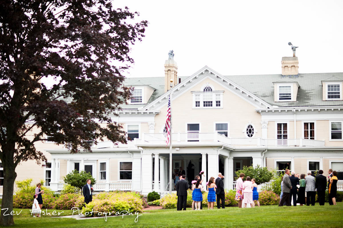 The Endicott Estate In Dedham Ma Is A Beautiful Backdrop For Wedding With Both Indoor And Outdoor Es To Enjoy It Make Most Of New England S