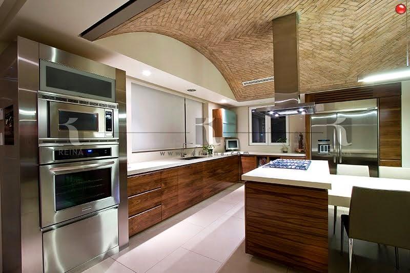 Cocinas closets puertas vestidores y muebles en madera for Diseno de cocinas contemporaneas