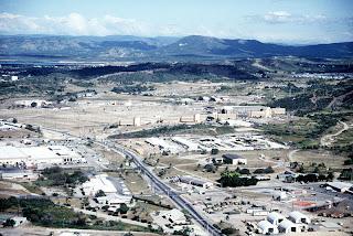 https://i2.wp.com/4.bp.blogspot.com/-p5L9rX7_XVc/ULo4bcKwYAI/AAAAAAAAX50/rjqxMloTgqQ/s320/Guantanamo_Bay_Navy_Exchange_and_BEQ.jpg