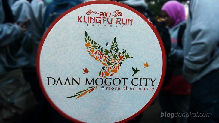 Daan Mogot City Ajak Masyarakat Lawan Kanker dengan Lari dan Kungfu