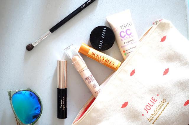 produits maquillage voyage