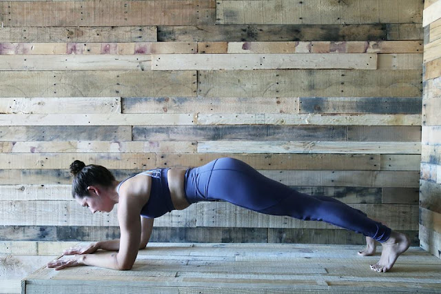 lululemon  sculpt-it-tight peek-energy-bra greyvy