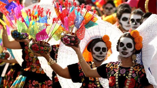 Typowe meksykańskie stroje na święto zmarłych