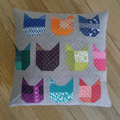 Janome Free Quilting Patterns : Quilt Inspiration: Free pattern day: Cat and Dog quilts!