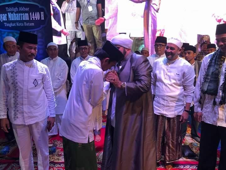 Saksikan Jamaah Ustadz Somad dan Habib Syech, Musuh Islam Ketakutan