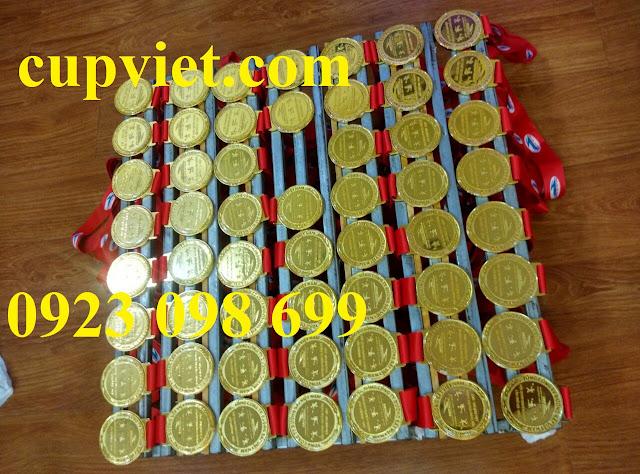 Sản xuất huy chương lưu niệm, nhận đúc huy chương quà tặng, bán huy chương ăn mòn