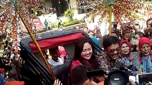 Puisi dan Kereta Kencana Antar Djarot Saiful Hidayat Meninggalkan Balaikota Jakarta