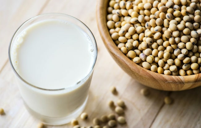 Semi di soia e latte di soia