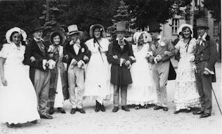 Die Biedermeiergruppe 1932 - Nachlass Joseph Stoll, Album Oald Bensem, lfd.No. 0103, eingescannt 600 dpi, Stoll-Berberich 2015