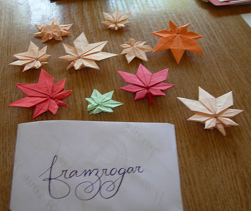 Origami Maple Leaf | How to Make a Maple Leaf Quick and Easy ... | 421x500