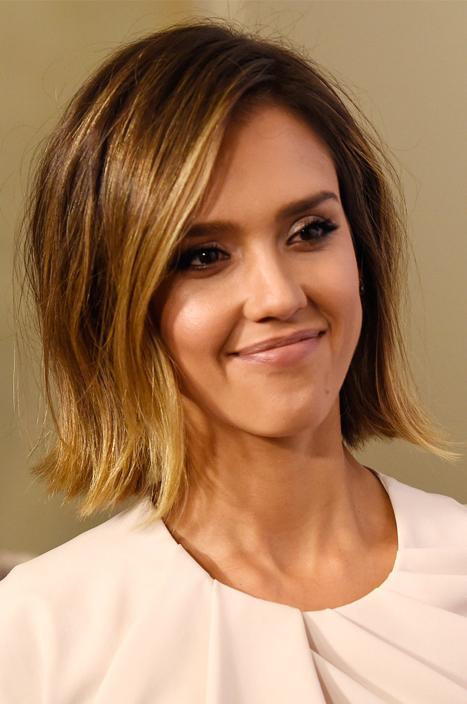 Las actrices Sarah Jessica Parker, Kate Beckinsale, Reese Witherspoon, Jessica Alba Mélanie Laurent y Dylan Penn también han dado luz a su melena.