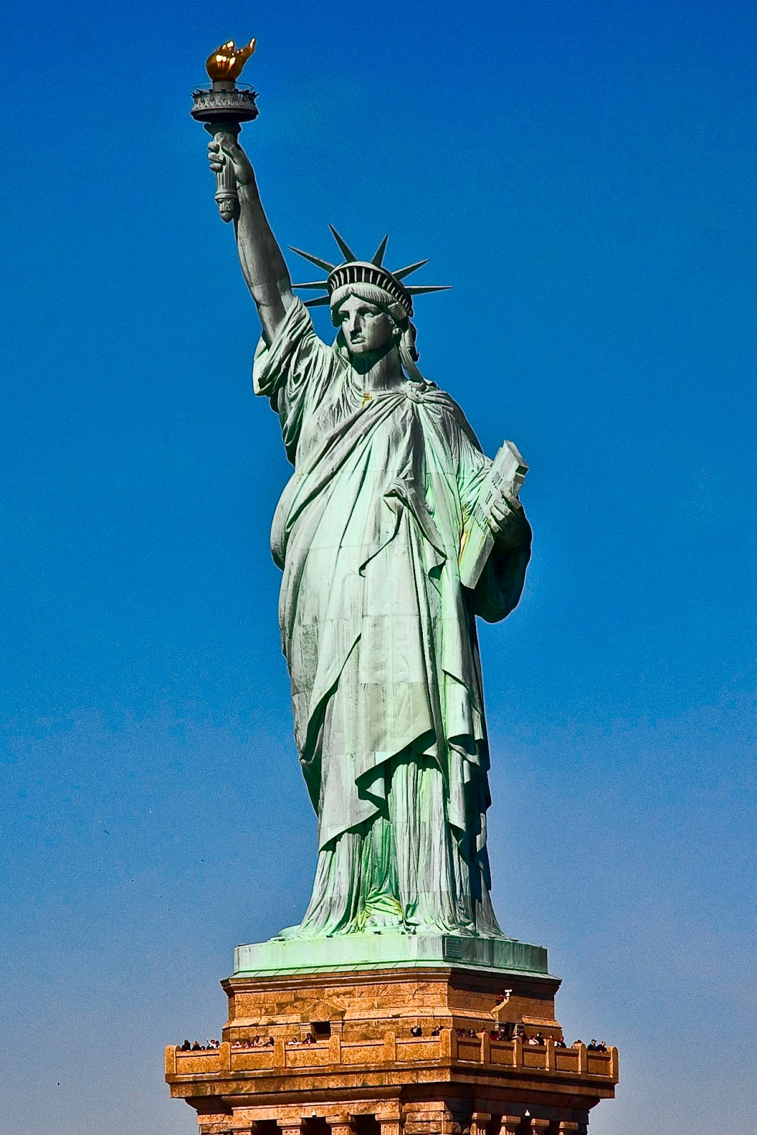 """the new colossus by ezra lazarus """"the new colossus"""" is a poem about america, but it is also a poem about the feminine virtues of hospitality and charity by allow the statue to speak for herself, the speaker proposes a way to think about others from which all women can learn."""