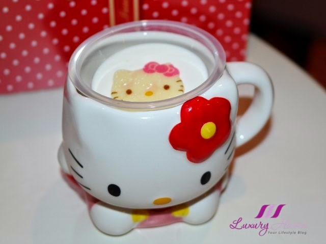 keio department store sanrio puroland hello kitty cups