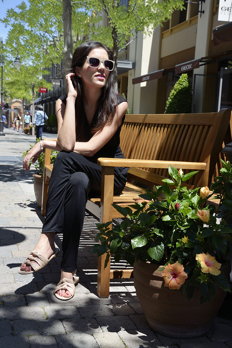 look-blogger-trends-gallery-blog-mono-negro-las-rozas-village