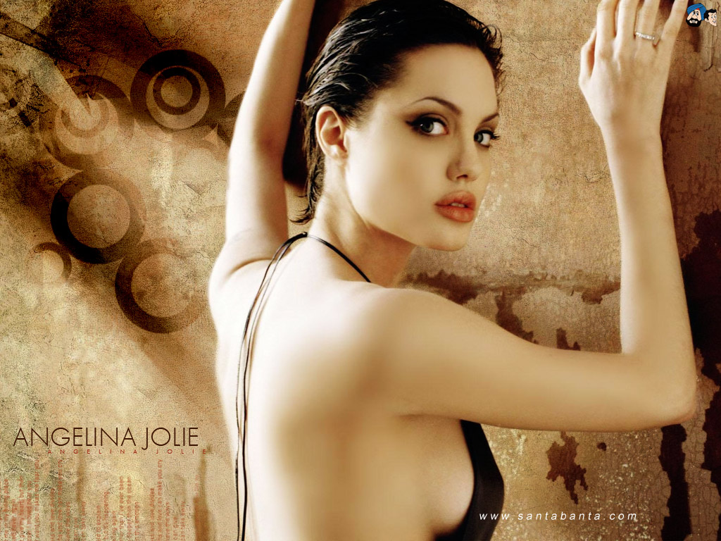 Sexy Hollywood Actress Angelina Jolie