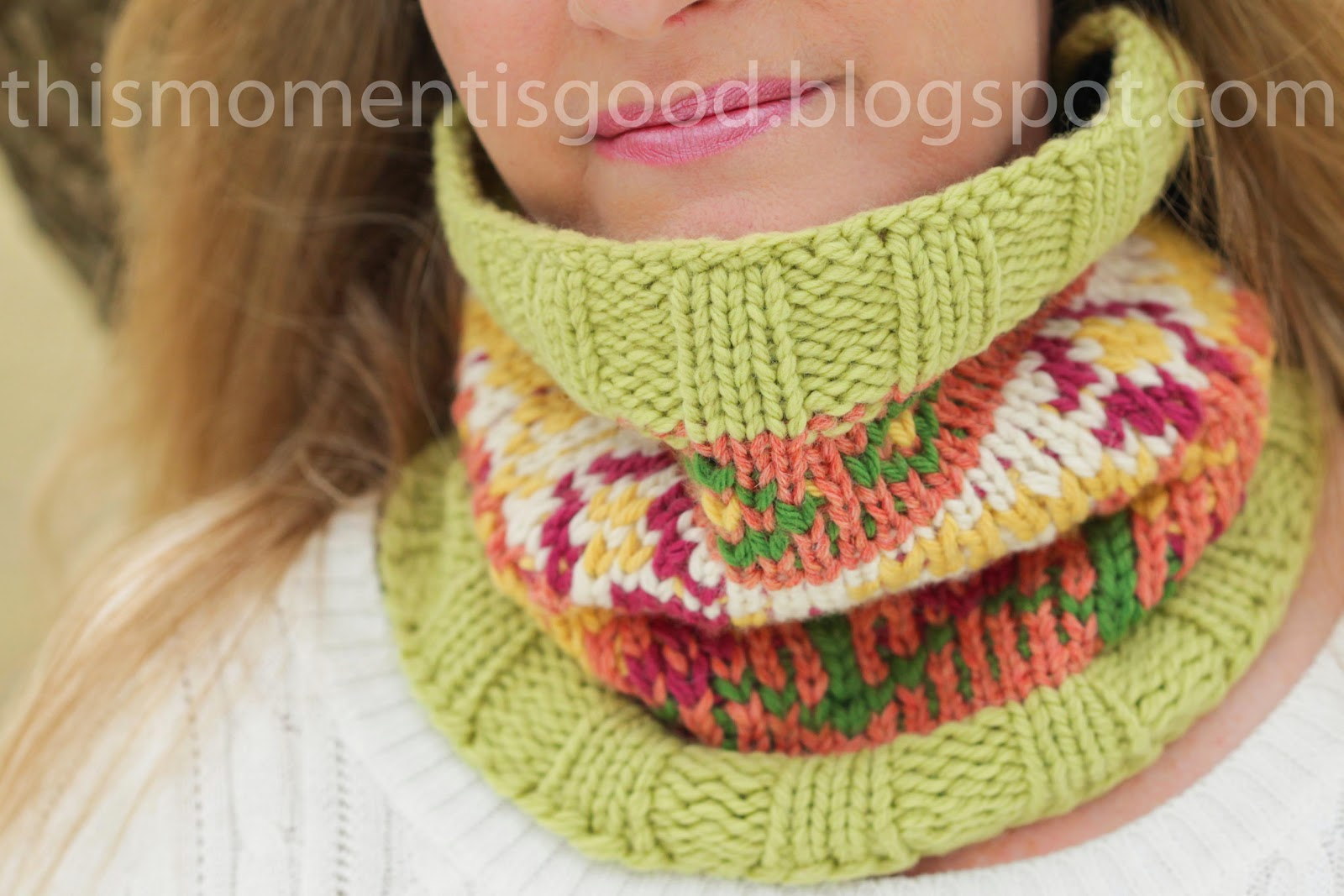 LOOM KNIT FAIR ISLE COWL | Loom Knitting by This Moment is Good!