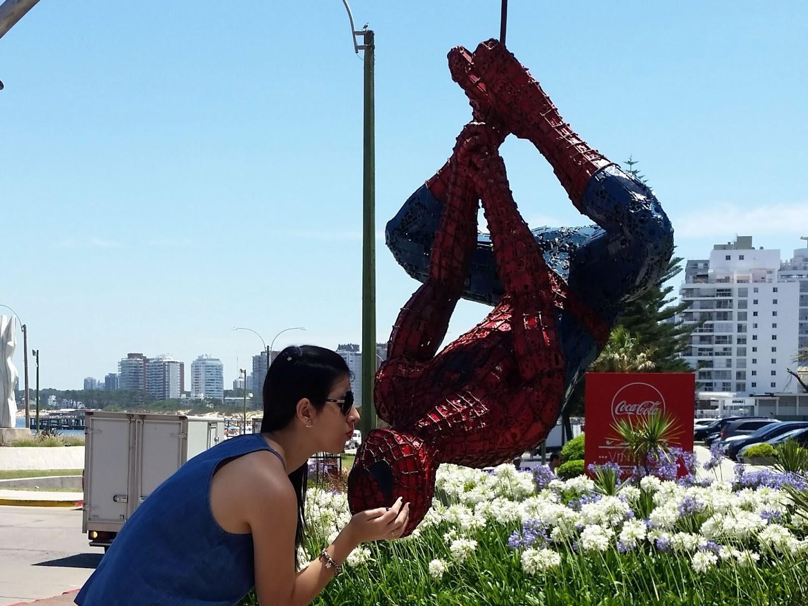 escultura Homem Aranha