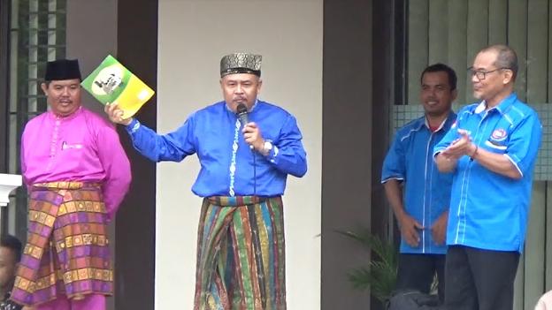 Kepala Sekolah SMP Negeri 4 Pekanbaru, H. Ridwan