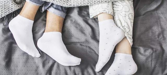 Κοιμηθείτε πιο γρήγορα ... φορώντας κάλτσες!