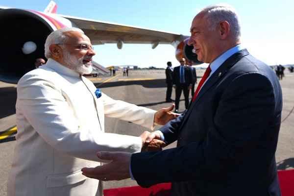 israel-pm-benjamin-netanyahu-warm-welcome-pm-narendra-modi
