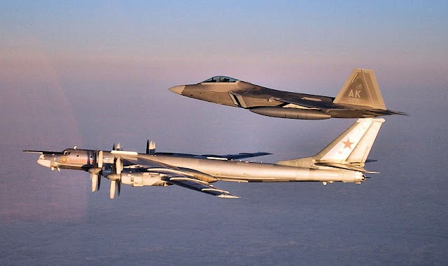 US F-22 Intercept Russian Strategic Bombers TU-95 Heading For Alaska Ahead of Massive Wargames