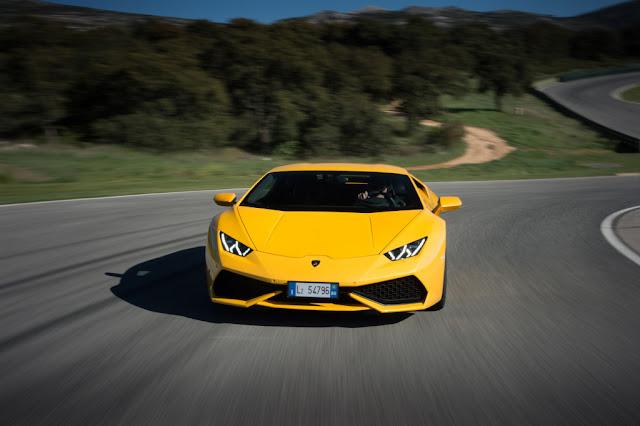 2015 Lamborghini Huracan Yellow Photo Wallpaper