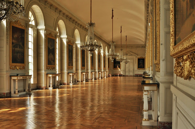 The Palace | Welcome to the Palace of Versailles, From the inside, France