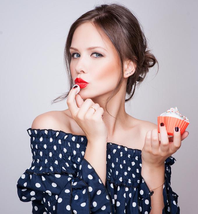 精緻甜食、澱粉、乳製品恐致痘痘生成