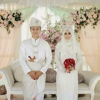 Foto Baju Pengantin Muslim Putih Elegan